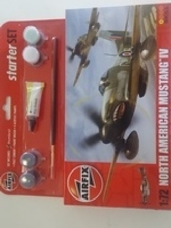 North American Mustang IV Starter Set Scale 1:72